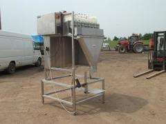Newtec packaging machine (weighing station)
