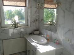 Здаю подобово і на літо будинок у Києві на Десні